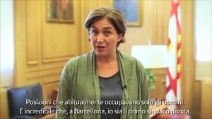 Il video inviato dalla sindaca di Barcellona, Ada Colau